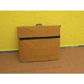 Capa em lona para acondicionar Mesa plástica; dobrável  (Média) com tábua de corte